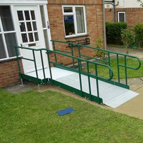 Picture of straight easiaccess ramp system